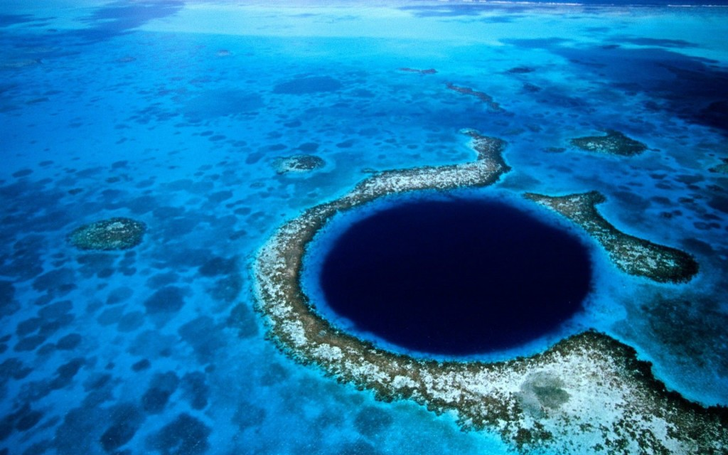 The-Great-Blue-Hole-1