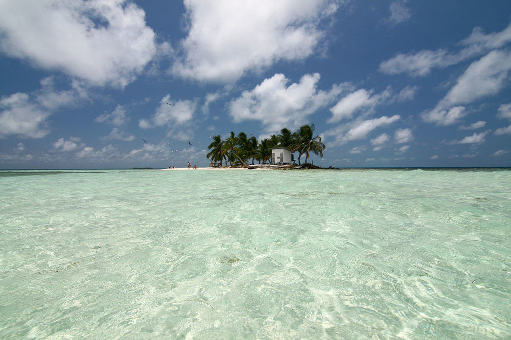 10 reasons to scuba dive or snorkel the Southern Barrier Reef of Belize