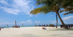 A Stopover at Ray Caye Belize for Lunch and Swimming on Your Belize Vacation?